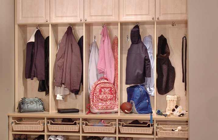 Contact Closet Concepts