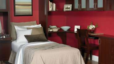 Conquering Guest Bedrooms With Murphy Beds